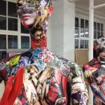 Konsum Mietzen Puppen-Installation